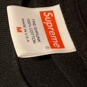 Supreme Shirts - Black supreme tee